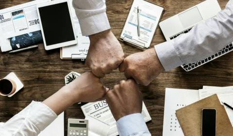 Top 8 Reasons to Setup a Holding Company